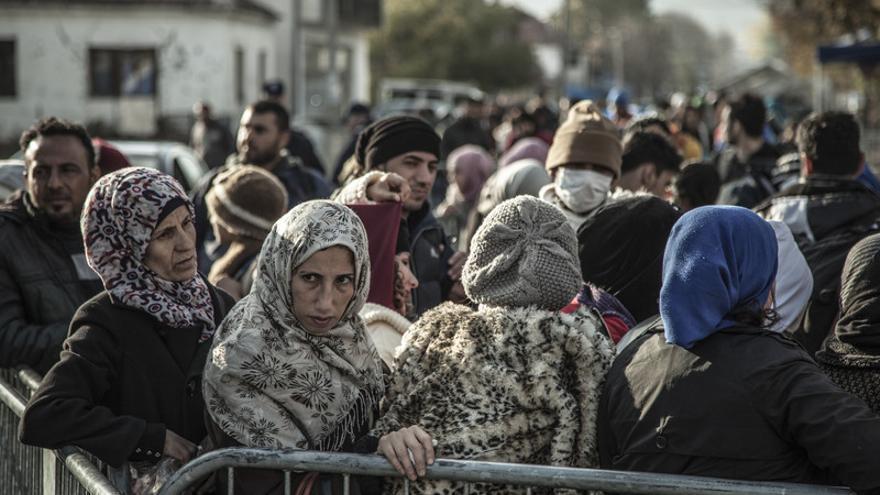 Todas las personas que entran a Serbia tienen que registrarse en Presevo y conseguir el visado que les da 72 horas para cruzar el país. | Pablo Tosco - Oxfam Intermón