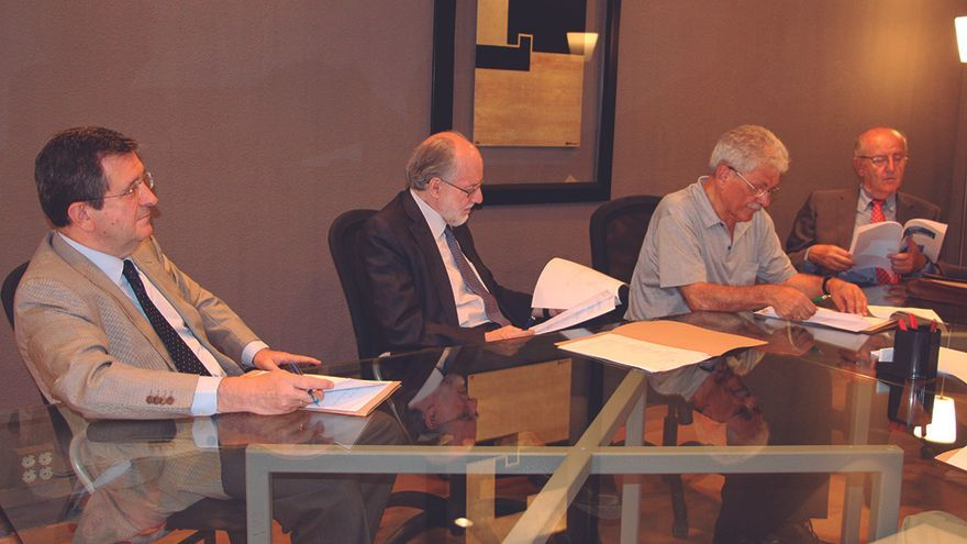 Fernando Zunzunegui, Diego Gracia, Ángel Otero y José Manuel Ribera en un encuentro para la fundación de Finsalud FOTO: FINSALUD