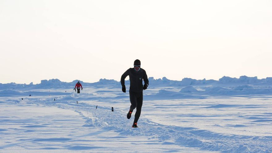 Participante del North Pole Marathon 2015 (© North Pole Marathon).