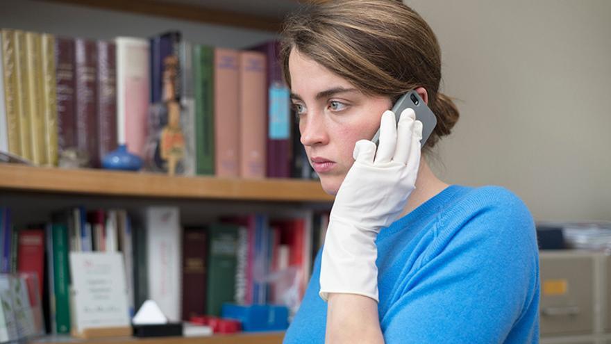 Los hermanos Dardenne estrenan 'La chica desconocida' un alegato ético en torno a la vida.