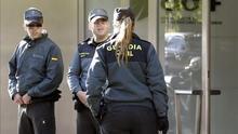 Sancionada una guardia civil que se negó a usar un chaleco antibalas masculino porque no estaba adaptado a mujeres
