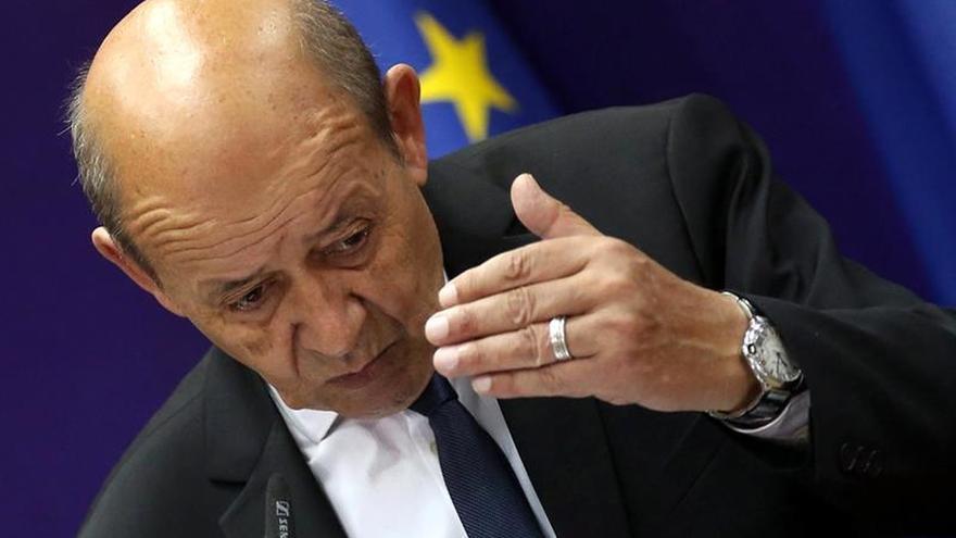 París dice que los combatientes franceses del EI deben ser juzgados en Irak