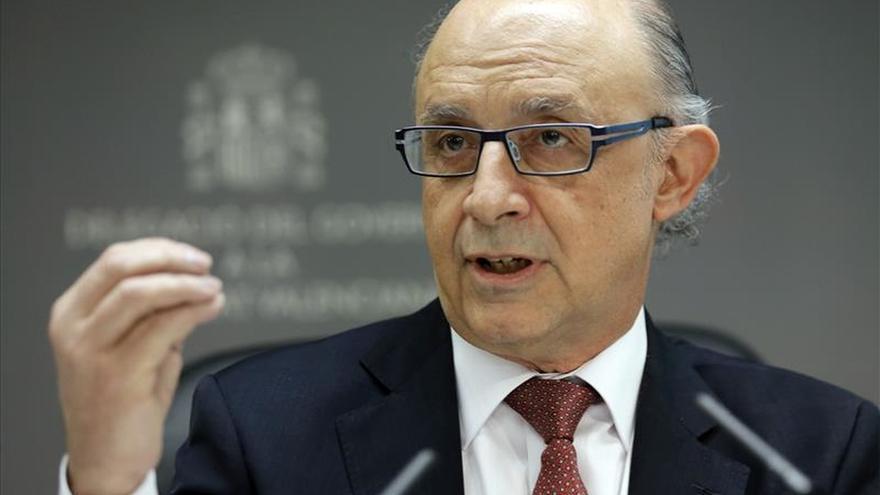 "Puig lamenta que Montoro vaya hoy a ""dar un aguinaldo"" a los valencianos"