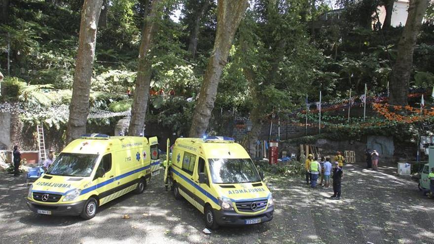 Varias muertos tras caer un árbol durante una romería en Madeira