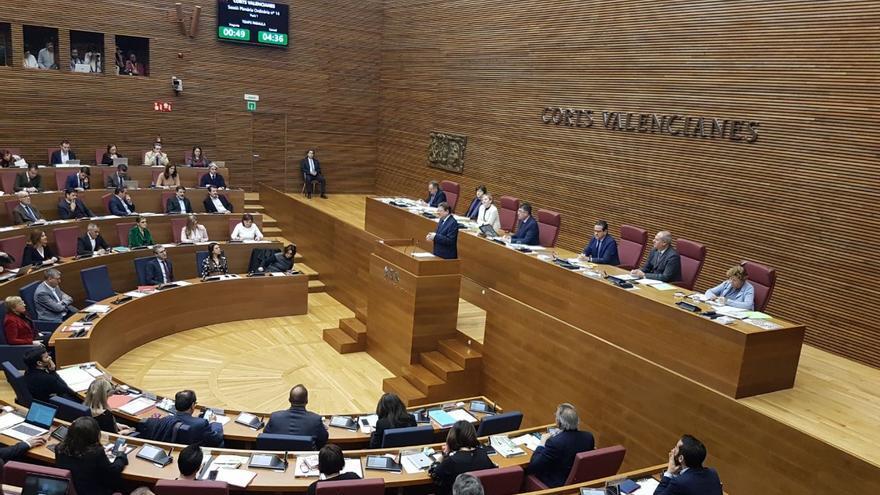 El presidente Ximo Puig, durante la sesión de control en las Corts Valencianes.
