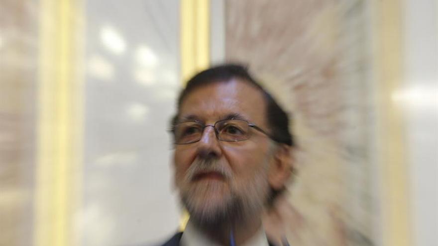 El Gobierno confía en que el calendario económico facilite investir a Rajoy