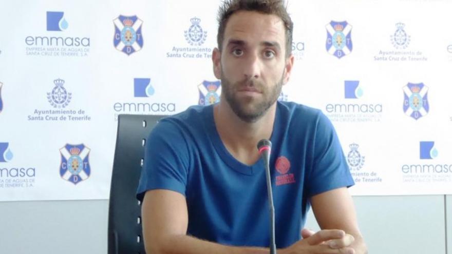 El jugador del CD Tenerife Carlos Ruiz.