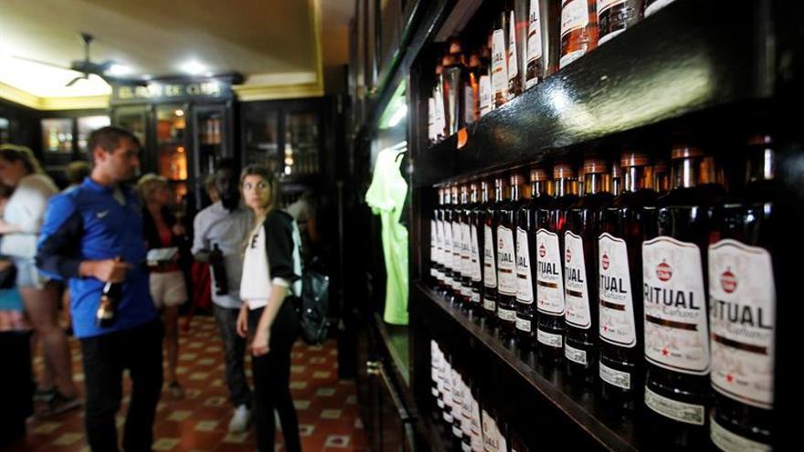 Cuba propone pagar con ron parte de su deuda con la República Checa