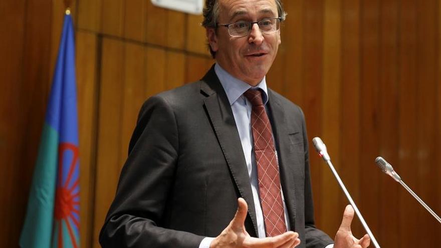 Alonso es el candidato del PP a lehendakari y dejará de ser ministro