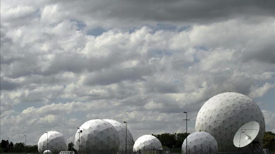 """La inteligencia alemana entregaba ingentes cantidades de """"metadatos"""" a la NSA"""