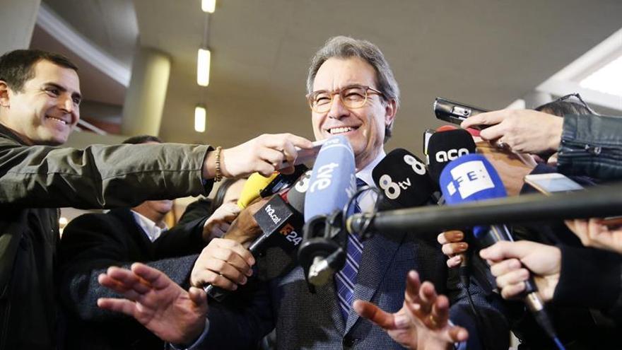 Mas acusa al Estado de vincular a Cataluña con la violencia para intervenir