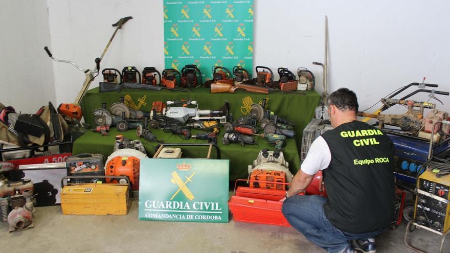 Detenidas 13 personas acusadas de 37 robos en explotaciones agrícolas de la provincia