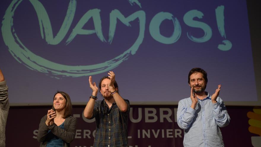 Pablo Iglesias, Rafael Mayoral e Irene Montero, en una asamblea de Vamos! en Mérida.