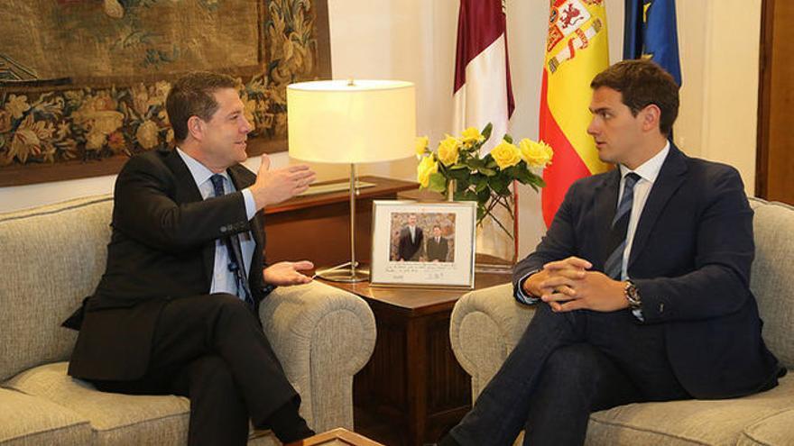 Emiliano García-Page y Albert Rivera FOTO: JCCM