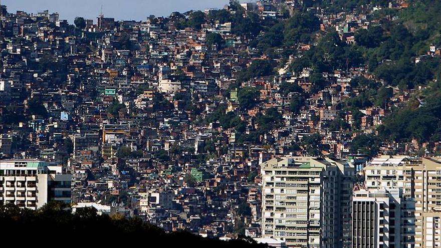 """Brasil constata """"dos mundos en un mismo espacio"""", según un estudio sobre las favelas"""