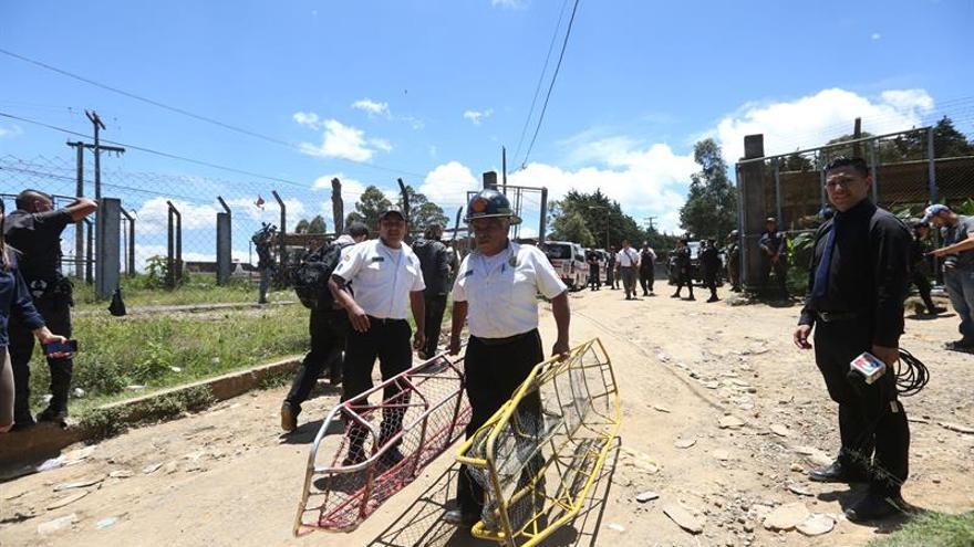 Suben a cinco los muertos en una riña en cárcel de Guatemala, incluido un militar preso