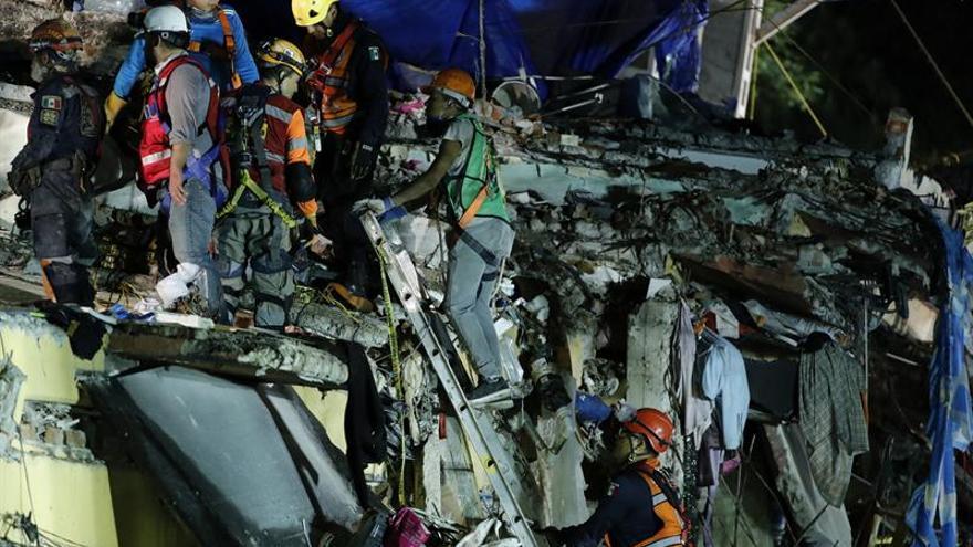 Asciende a 286 número de víctimas mortales por el terremoto en México