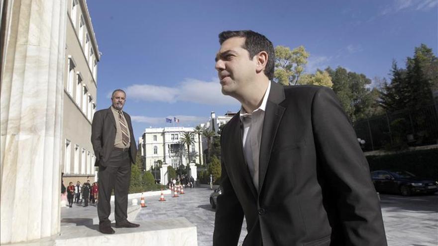 """Tsipras apuesta por una Europa de """"socios iguales"""" que rompa con austeridad"""