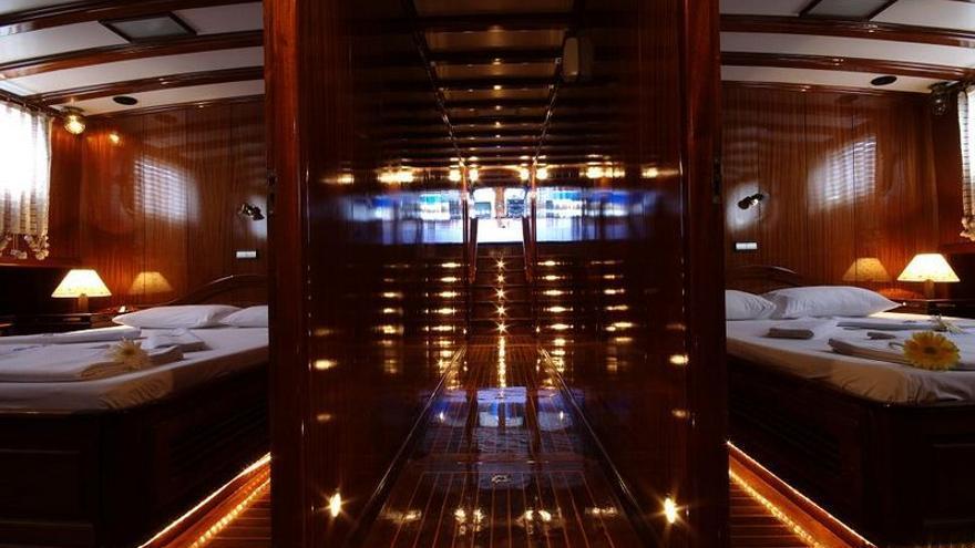 Imagen del interior del yate en el que Blesa veraneó en 2009 enviada por una acompañante antes del viaje