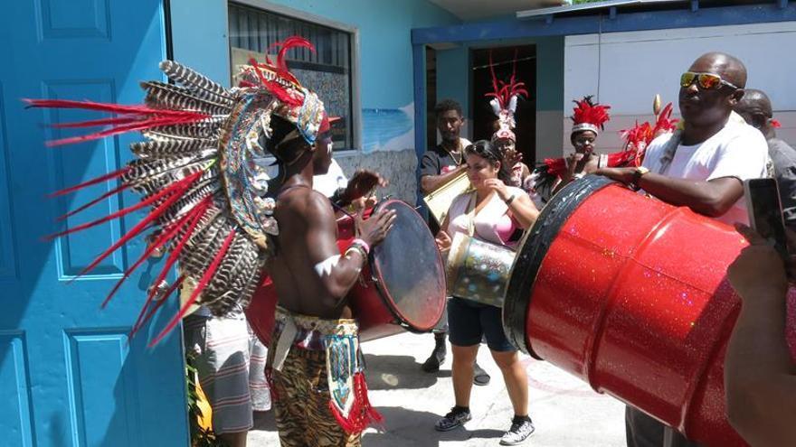 El junkanoo, la música africana de Bahamas que renace con el carnaval