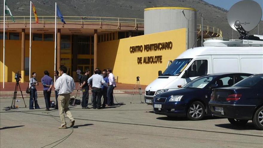 El etarra Jon Aguinagalde abandona la cárcel de Albolote (Granada)