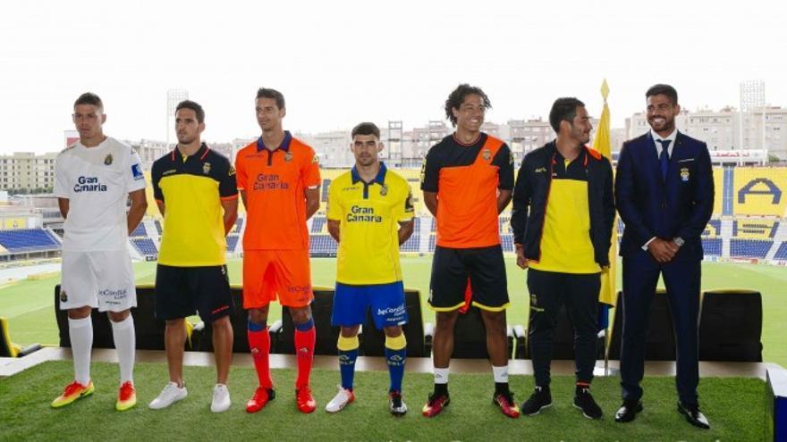 Presentación de las equipaciones de la UD Las Palmas para la temporada 2016/2017