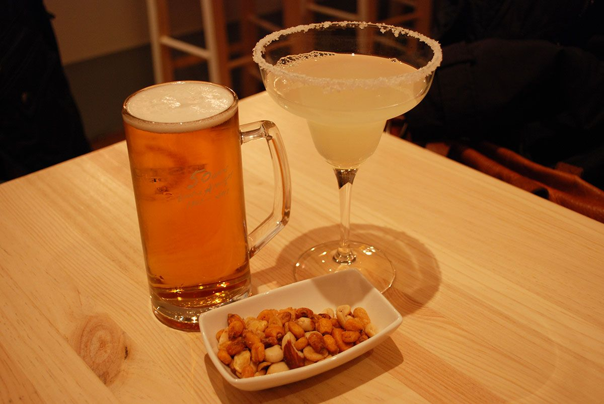 Margarita_Doble cerveza y kikos