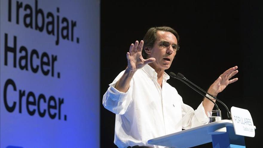 """Aznar rechaza que la renovación sea """"agarrarse a una moda"""" o el """"chavismo"""""""