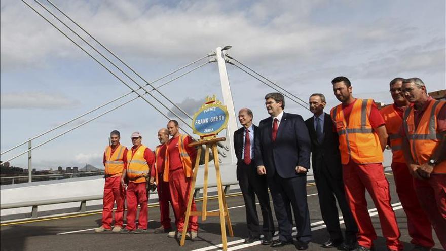 El Puente Gehry será el icono de la próxima regeneración urbana de Bilbao