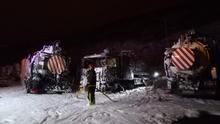 Ocho unidades de bomberos y 45.000 litros de agua para apagar un incendio en la depuradora de Barranco Seco