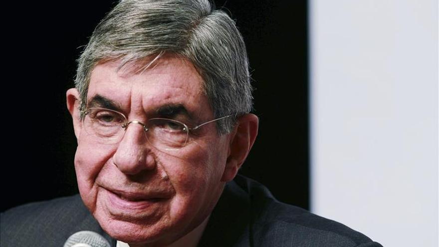 Óscar Arias: Pocos impuestos en Latinoamérica frenan desarrollo social