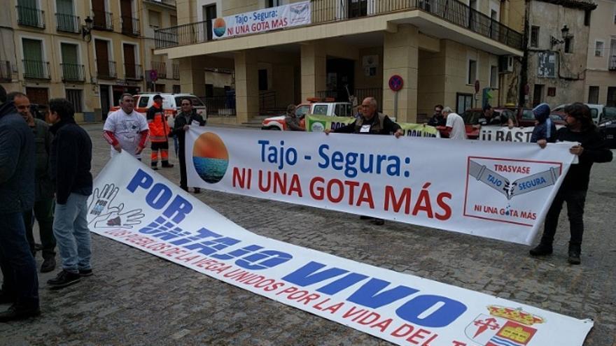 Imagen de una de las movilizaciones, este año, en la cabecera del Tajo