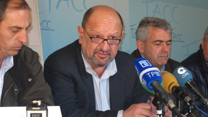 El TSJA admite a trámite una querella contra el diputado regional del PSOE, Francisco González
