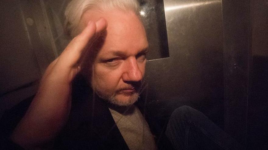 El Reino Unido firma la orden de extradición de Assange a EE.UU.