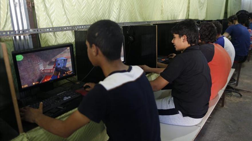 Unos 230.000 niños sirios refugiados van a clase en colegios turcos