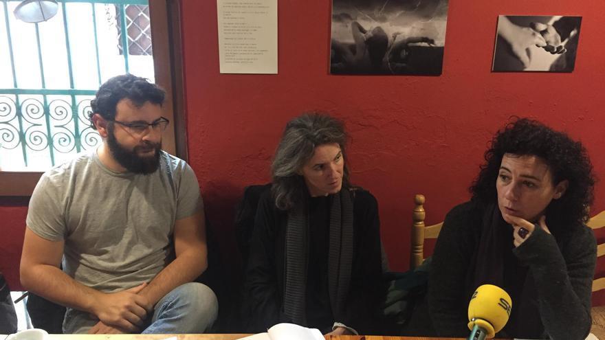 Los concejales de València en Comú, Berto Jaramillo, María Oliver (centro) y Neus Fábregas