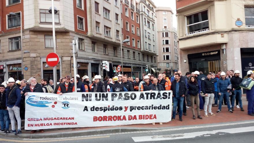 """El Ayuntamiento de Barakaldo pide el mantenimiento de """"todos los puestos de trabajo"""" en Productos Tubulares"""