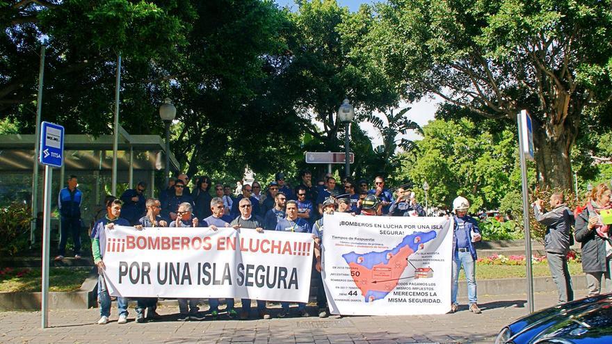 La marcha, a su salida en la plaza Weyler de Santa Cruz