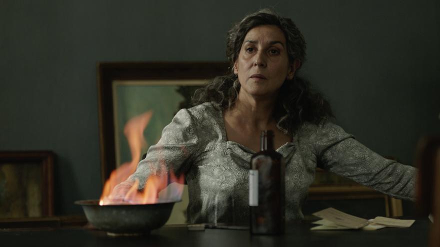Elvira Mínguez como la madre de Mercader