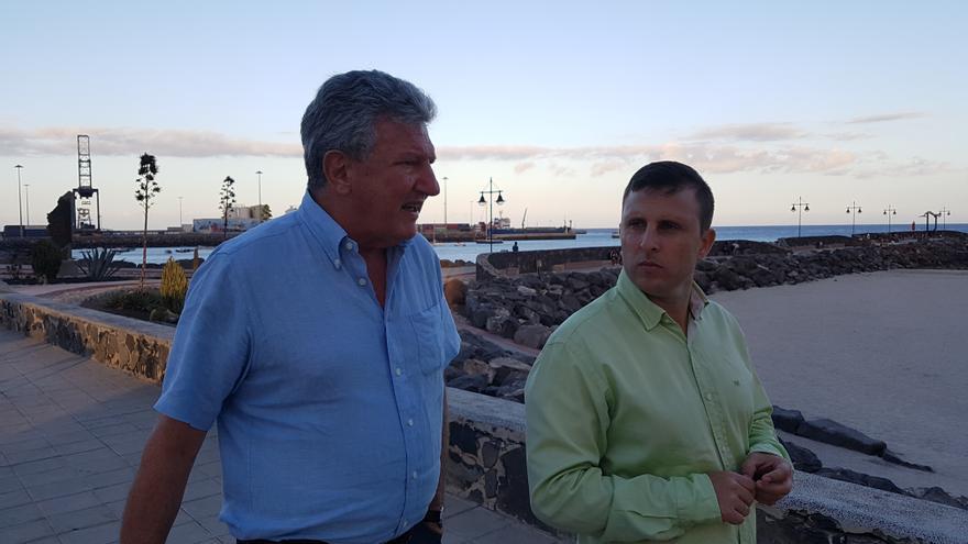 El diputado Pedro Quevedo y el presidente de NC en Fueretentura Alejandro Jorge