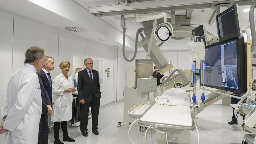 Hospital de Cruces estrena un nuevo angiógrafo digital que mejora el diagnóstico y tratamiento de ictus o aneurismas
