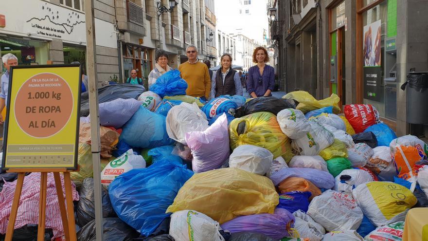 En la imagen, las bolsas depositadas por Isonorte en la Calle Real.