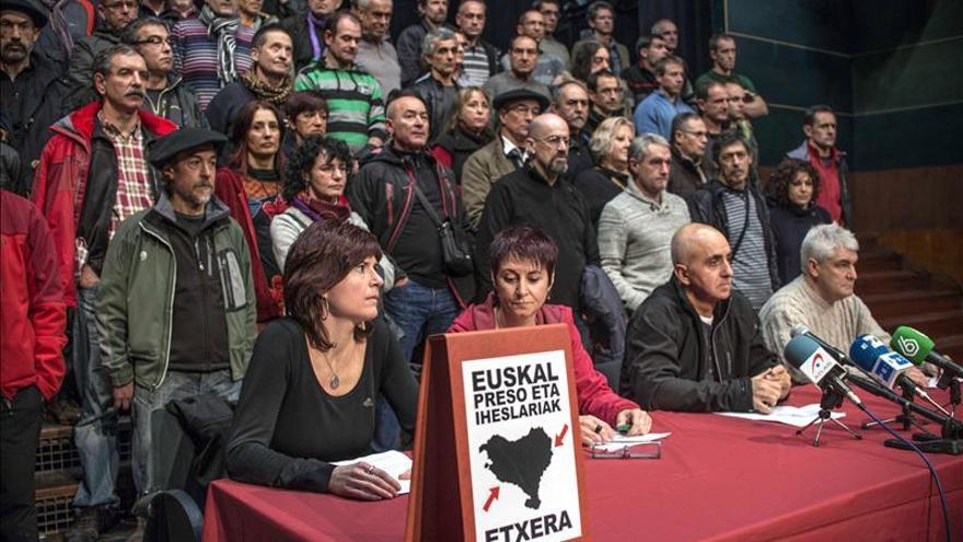 """Excarcelados de ETA exigen """"el derecho a decidir"""" para resolver el conflicto"""