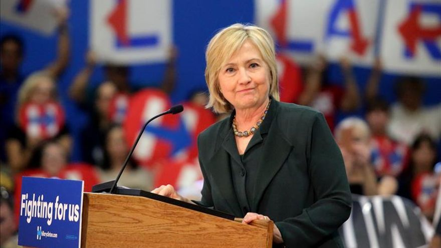 """Hillary Clinton acusa a Trump de ser el """"mejor reclutador"""" del EI"""