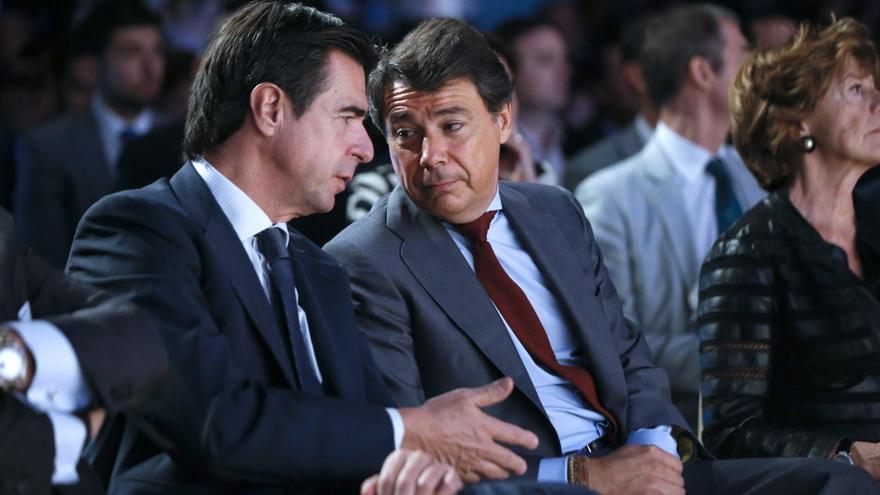 José Manuel Soria e Ignacio González, en una imagen de archivo. EFE