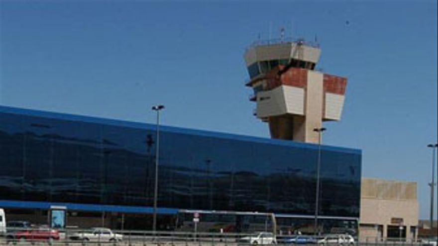 Panorámica del aeropuerto de Gran Canaria. (EP)