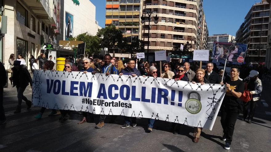 """La manifestación convocada bajo el lema """"No a la Europa Fortaleza, Los Derechos Humanos no se negocian"""" en Valencia"""