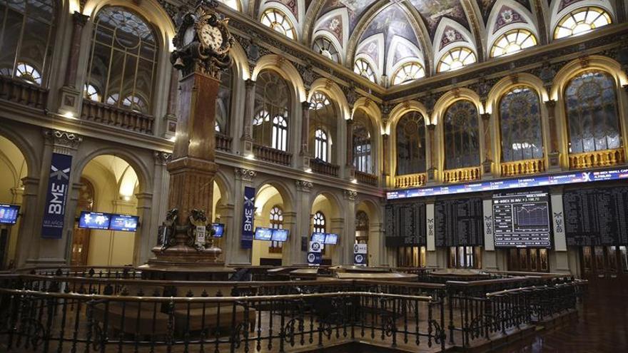 La Bolsa española sube el 1 % y consolida los 8.700 puntos