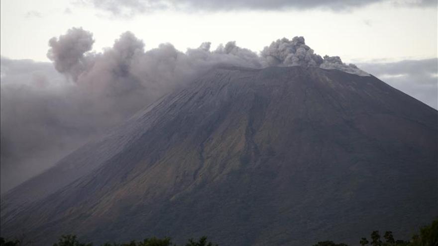 Nicaragua reporta más de 60 pequeñas explosiones en el volcán Concepción