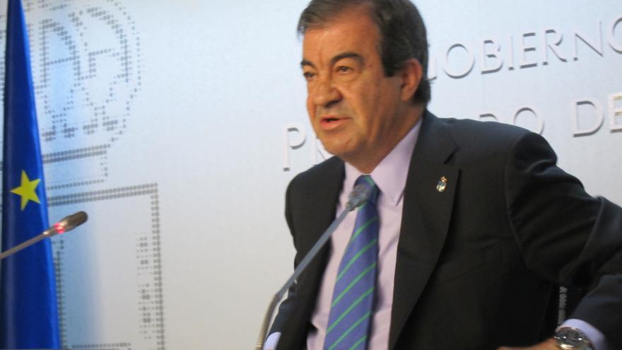 Cascos cree que el hecho de que Cataluña solicite ser intervenida invita a reflexionar sobre la capacidad de Montoro